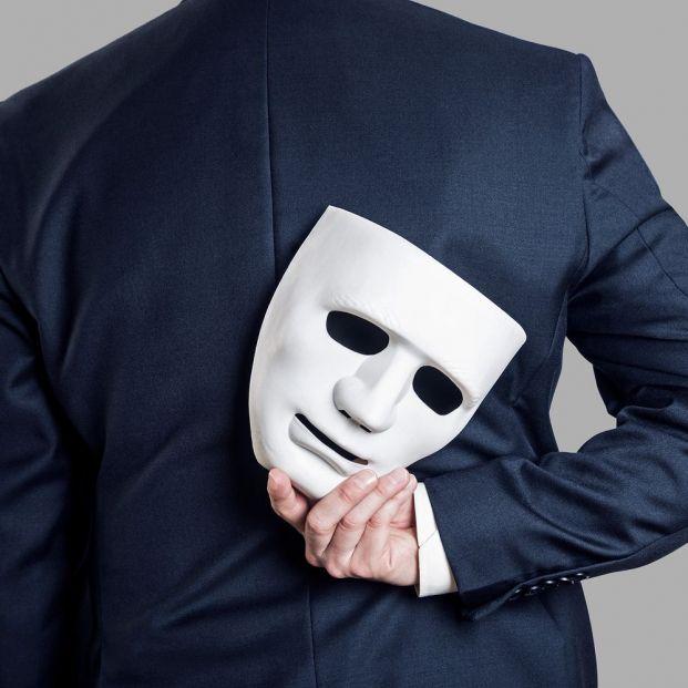 Si te sientes un fraude puedes padecer el Síndrome del impostor sabes cómo afecta a los mayores