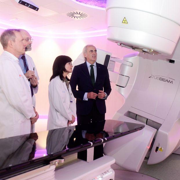 Solo ocho de las 23 máquinas donadas por Amancio Ortega a la sanidad madrileña están operativas