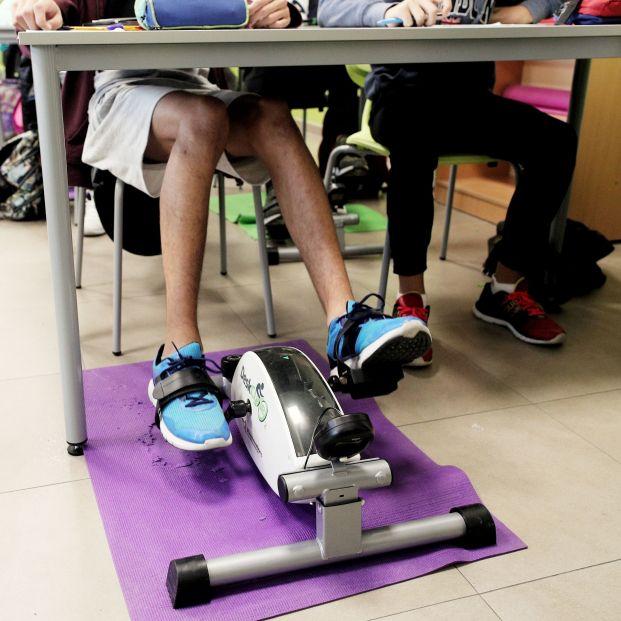 Alumnos del IES Antonio Fraguas Forges de Madrid en el aula pedal donde hacen deporte mientras aprenden en Madrid a 17 de octubre de 2019