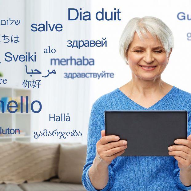 Beneficios de ser bilingüe para el cerebro de los mayores