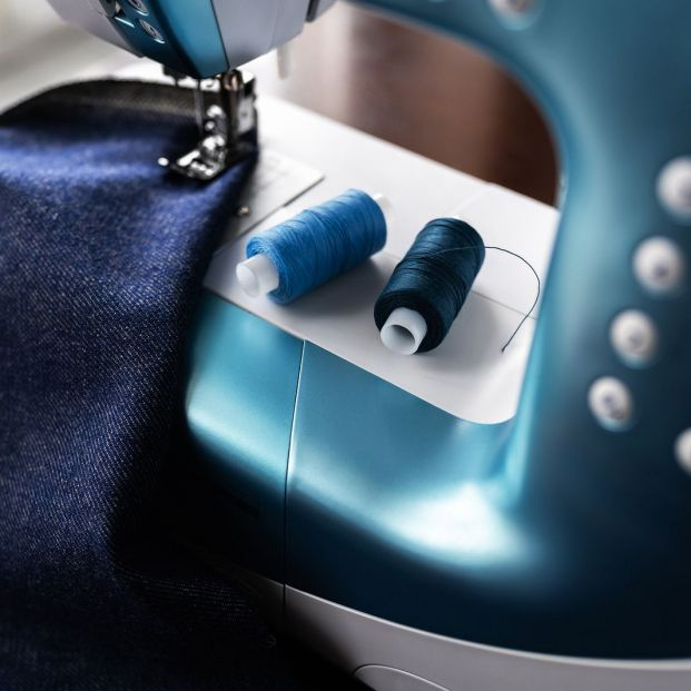 Cómo elegir una máquina de coser nueva que se ajuste a mis conocimientos de costura
