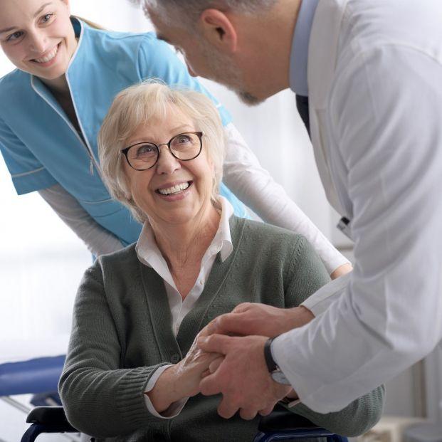 ¿Qué son los medicamentos biosimilares y cómo pueden ayudar a los mayores con osteoporosis?