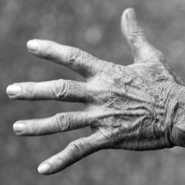 Las personas mayores denuncian que se les mira con desprecio y se les falta al respeto