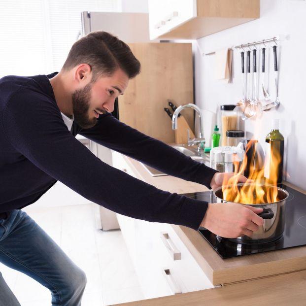 Cómo prevenir accidentes y descuidos en la cocina (Bigstock)