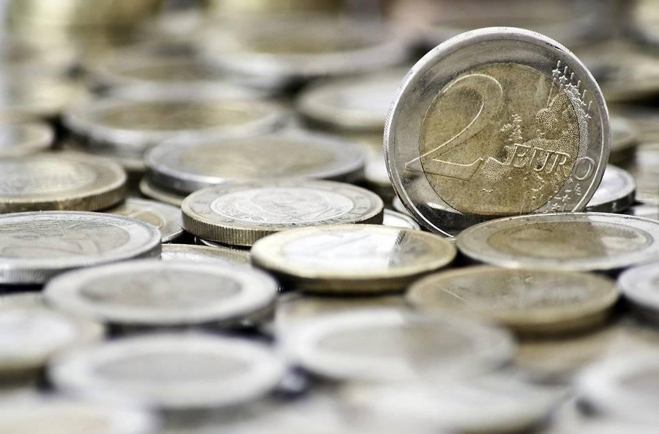 La Guardia Civil alerta de un timo con la moneda de 2 euros