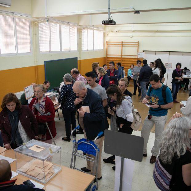 EuropaPress 2096589 Participación ciudadana elecciones 28 A en los colegios electorales de Sevilla
