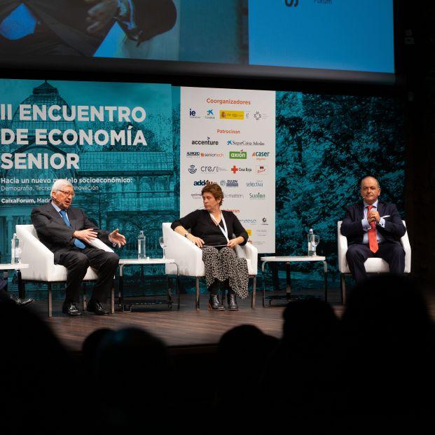 Rafael Puyol, Cristina Segura y Benigno Lacort, en el II Encuentro Senior Economy
