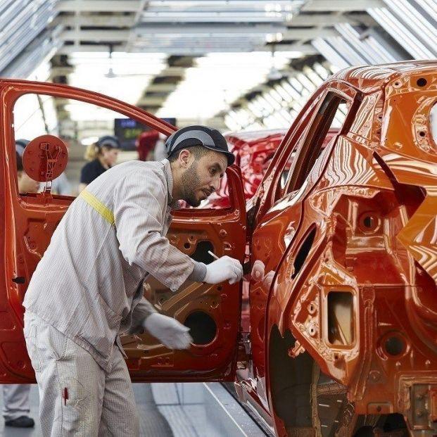 Jubilación a los 60, jornadas de 32 horas o impuesto a robots, las medidas de UGT para el automóvil