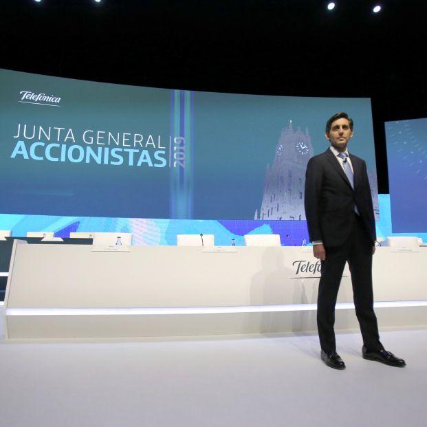 Doble rasero: Telefónica quiere séniors en su consejo de administración pero 'prejubila' con 53 años