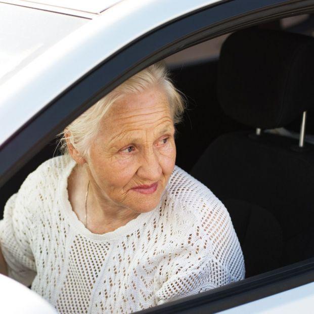 Consejos para que los mayores conduzcan en invierno de forma segura