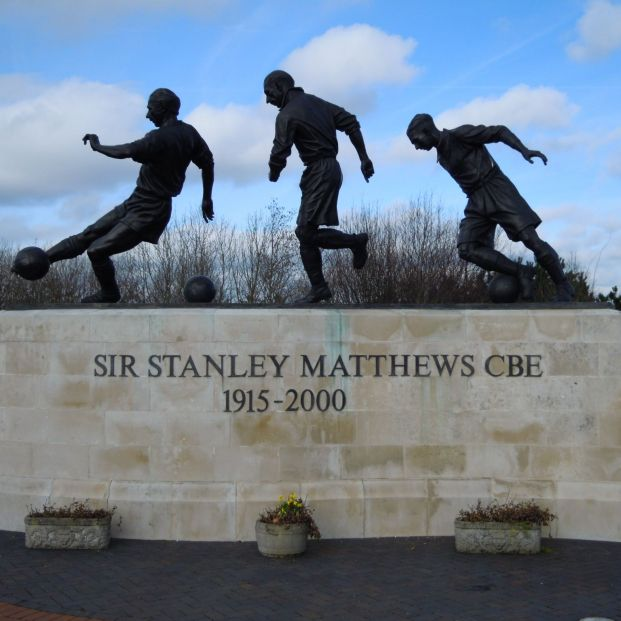 Sir Stanley Matthews. 'Los jugadores más longevos de la historia del fútbol'
