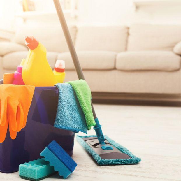 Cuidado con estos hábitos de limpieza: productos que mezclamos o usamos mal y pueden ser peligrosos