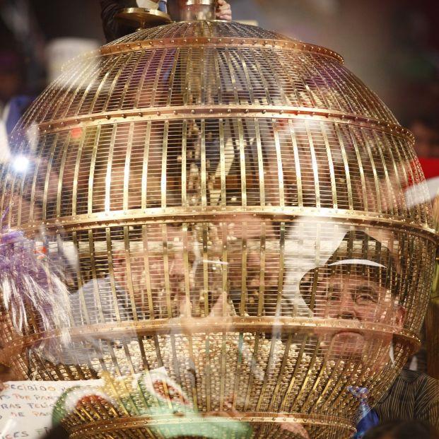 Los premios inferiores a 2.000 euros de la Lotería de Navidad se pueden cobrar la tarde del sorteo