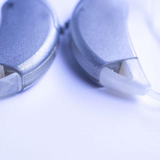 Los implantes cocleares son también para los mayores