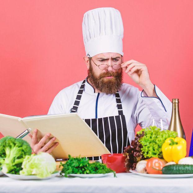 ¿Qué es el 'trash cooking'? ¿Resulta saludable para las personas mayores?