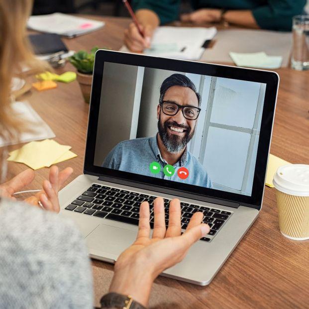Aplicaciones para ver y hablar a la vez (Bigstock)
