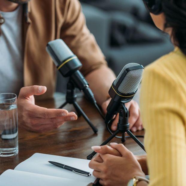 Talleres de radio para mayores y residencias con emisora