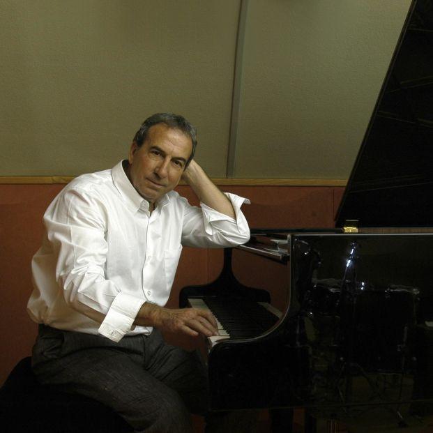 José Luis Perales, el arte de la sencillez en los escenarios, anuncia su retirada a sus 74 años
