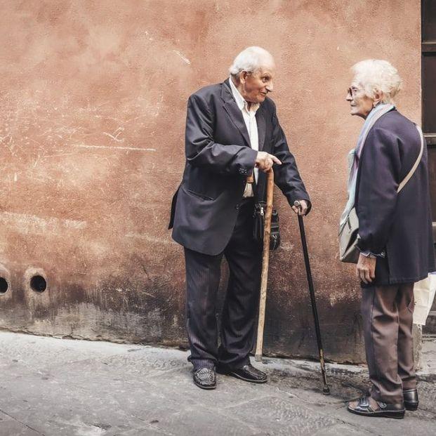 Los usuarios creen que la banca debe hacerse cargo de la inclusión financiera digital de los mayores