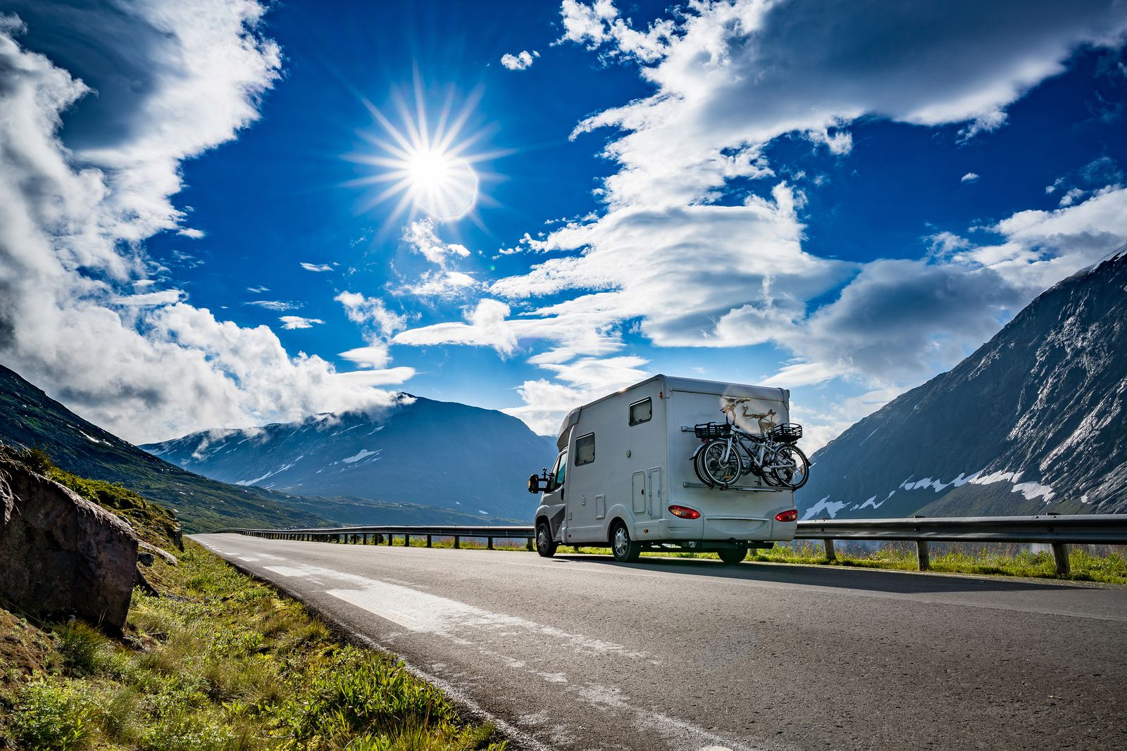 Los mejores lugares para viajar en caravana de España y Europa (Bigstock)