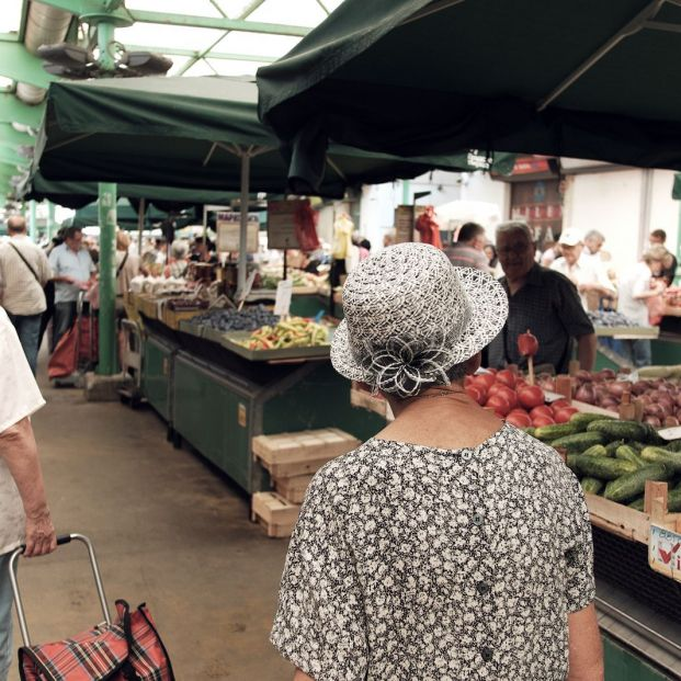 El 30% del gasto de las personas mayores se concentra en la alimentación y los servicios básicos