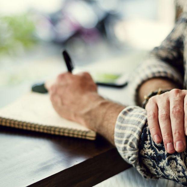 La Caixa convoca la XIII edición del concurso de relatos para mayores de 60 años