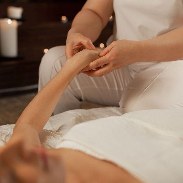 hombres paralizados sienten masaje de próstata