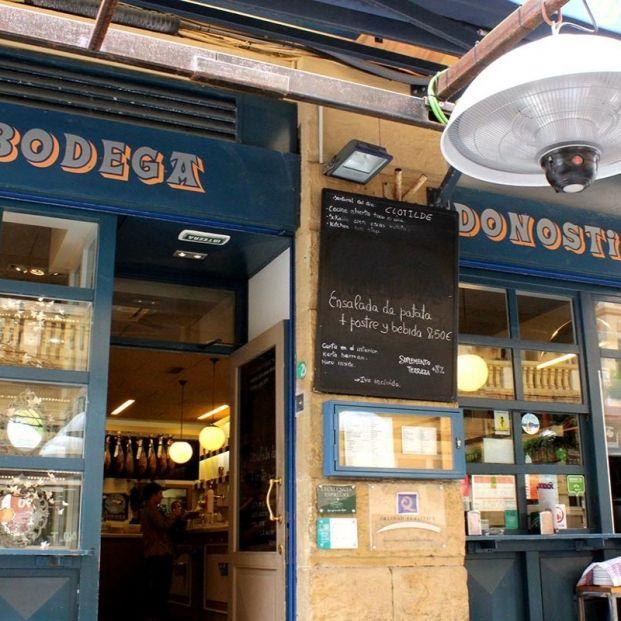 La Bodega La Bodega Donostiarra, uno de los mejores bares de pinchos (http://www.bodegadonostiarra.com/galeria/)