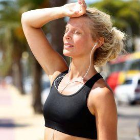 ¿Qué precauciones debo de tomar para evitar un golpe de calor? (Bigstock )