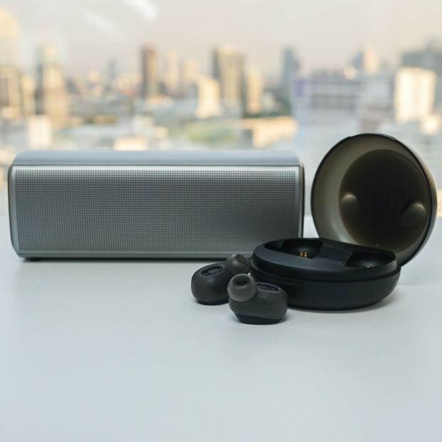 ¿En qué consisten los auriculares con cancelación de ruido? (Bigstock)