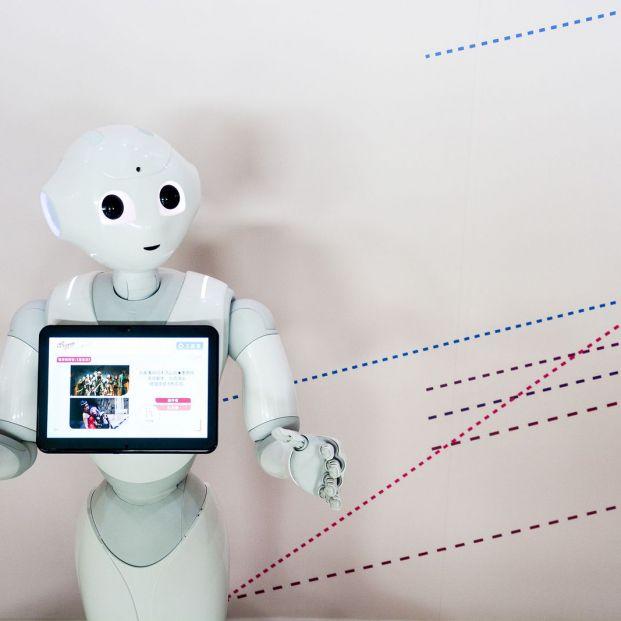 Conoce a Pepper, el robot que cuida a los mayores de una residencia de Valladolid