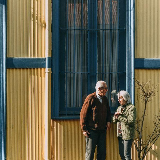 Brecha: solo un 3,5% de mujeres jubiladas cobra más de 2.500 euros, frente al 10,25% de hombres