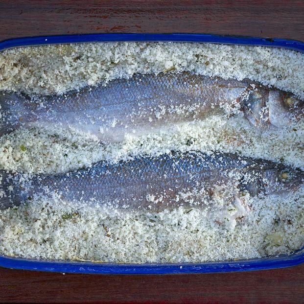 ¿Cómo se prepara un delicioso pescado a la sal?