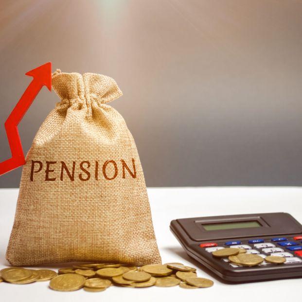 Gasto récord en pensiones, casi el 5% más que hace un año. Jugar con las pensiones