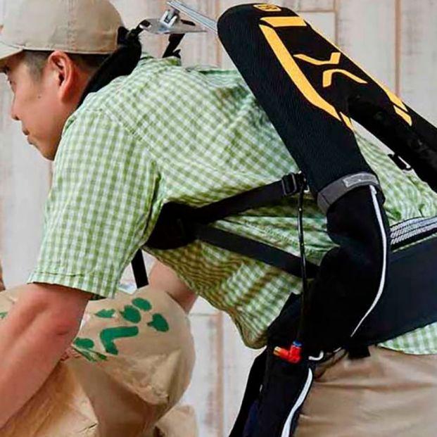 Exoesqueletos: la solución japonesa para que los mayores sigan trabajando