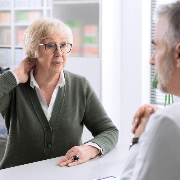 ¿Qué deben hacer las personas mayores ante un dolor persistente?