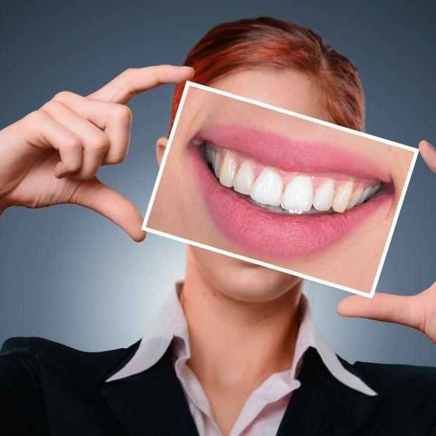 Consejos para cuidar la prótesis dental (Pixabay)