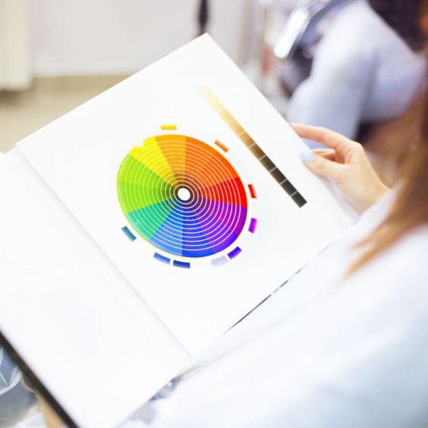 Colorterapia, qué es y cuáles son sus aplicaciones (Bigstock)