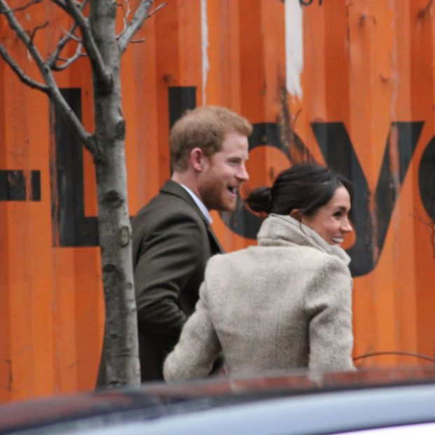 El Príncipe Harry y Meghan Markle dicen adiós a la Familia Real británica