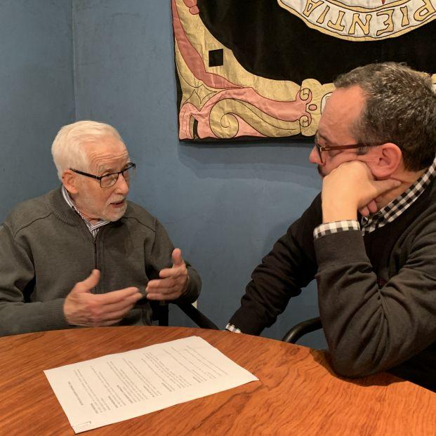 Ramiro Giménez, tiene 96 años, sabe cinco idiomas y está aprendiendo el sexto en la UNED