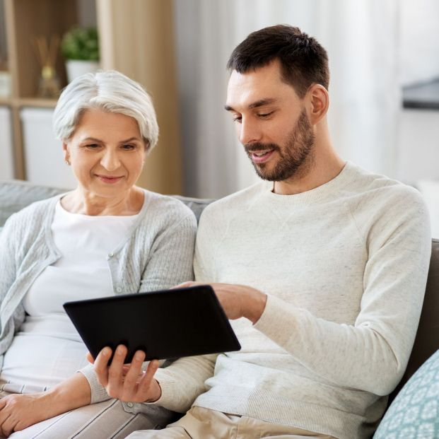 El 43% de los mayores pide ayuda para saber cómo funciona un regalo tecnológico