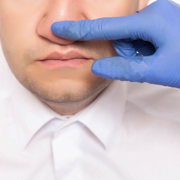 Cuando los hombres se operan la nariz