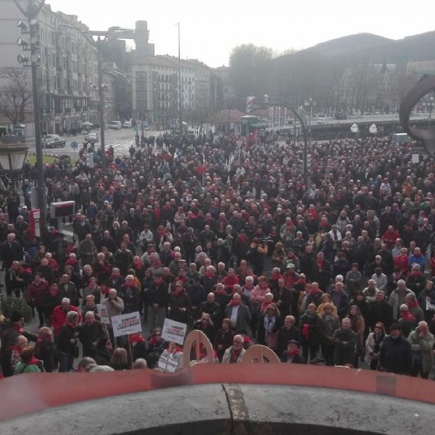 Se cumplen 2 años de la primera concentración de pensionistas delante del Ayuntamiento de Bilbao