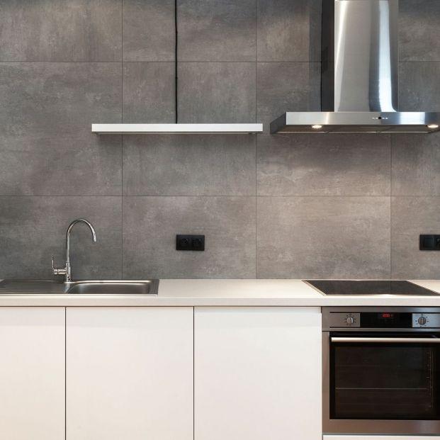 Peligros de no limpiar (o hacerlo de forma incorrecta) la campana extractora de la cocina