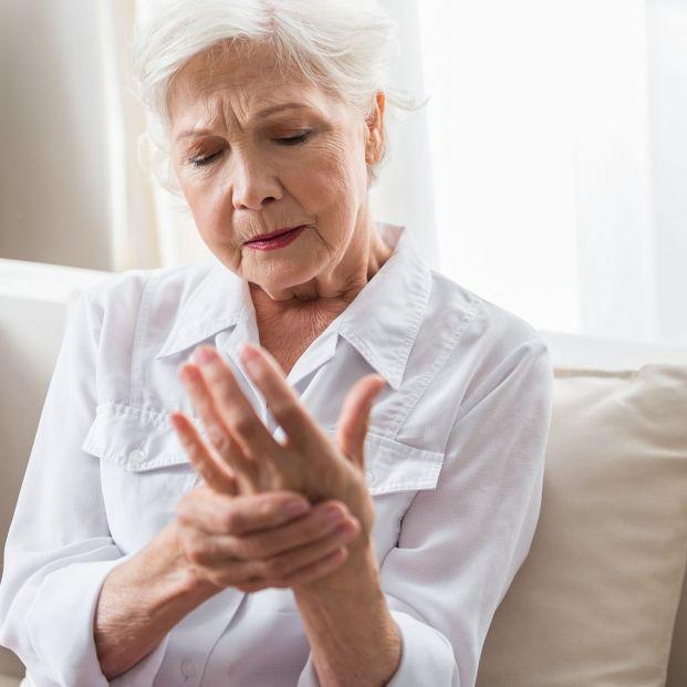 Fisioterapia para la artritis en las manos (bigstock)