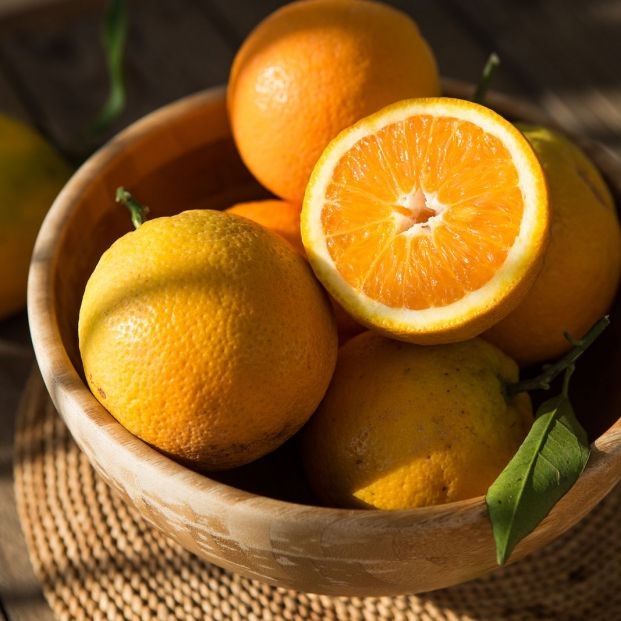 bigstock Oranges In Bowl  Lots Of Fres 330402928