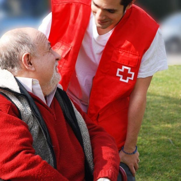 Cruz Roja idea un dispositivo para que los nietos recuerden a sus abuelos que se tomen las medicinas