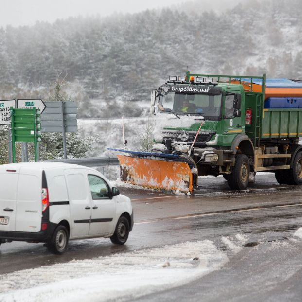 La Guardia Civil explica en un tuit los cuatro 'colores' de la nieve. Foto: EuropaPress