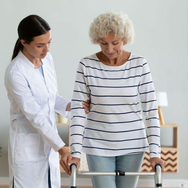 Fisioterapia para tratar el síndrome post caída