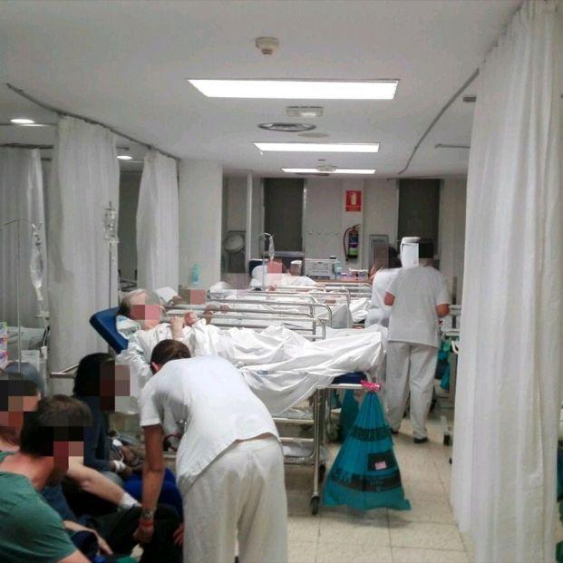"""""""Saturación y colapso"""" por la gripe en las Urgencias de 11 comunidades autónomas"""